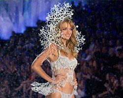 3D снежный ангел на Victoria's Secret fashion show