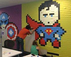 Креативное украшение офиса листиками блокнота