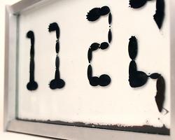 Инновационные часы - без стрелок и пикселей
