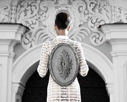 Завитки в стиле барокко на модных аксессуарах