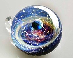 Вселенная в стеклянном шаре by Satoshi Tomizu