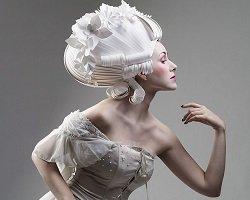Бумажные парики от российской художницы