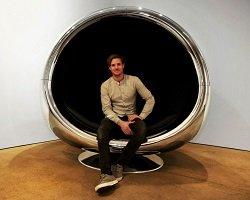 Кресло из запчастей Боинга 737 by Fallen Furniture