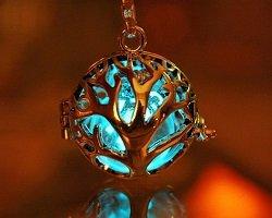 Магические украшения, светящиеся в темноте