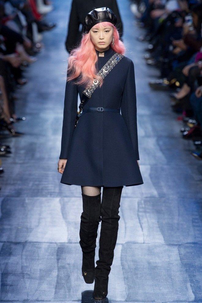 Синие тона в коллекции Dior осень-зима 2017