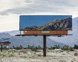 Билборды в гармонии с пейзажем by Jennifer Bolande