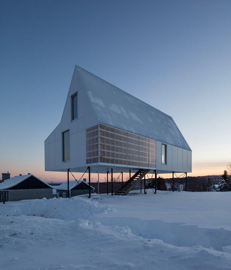 Белоснежный дом для отдыха в Квебеке