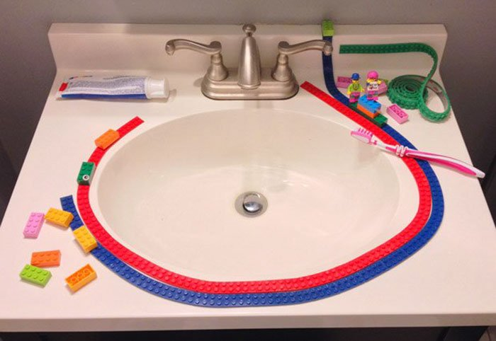 Lego-лента для знаменитого конструктора by Nimuno