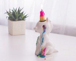 Свеча-единорог с радужными слезами