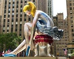 Надувная фигура балерины by Jeff Koons