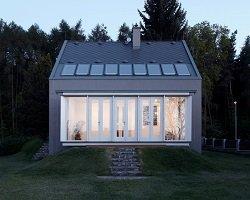 Современный домик в лесу by KAA studio