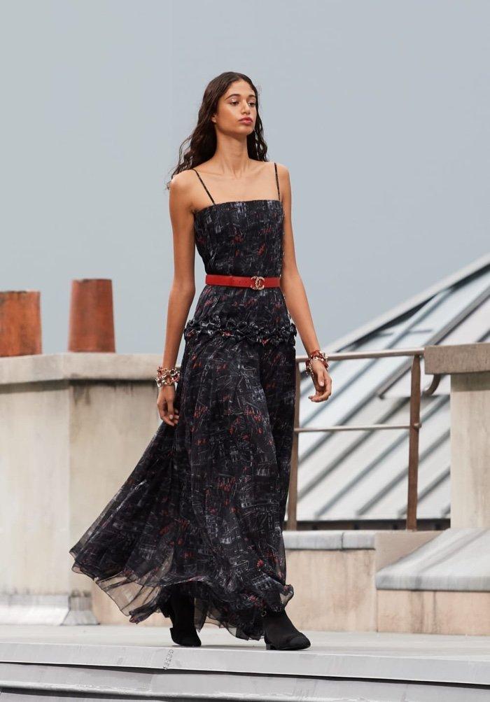 Современная классика в коллекции Chanel весна-лето 2020