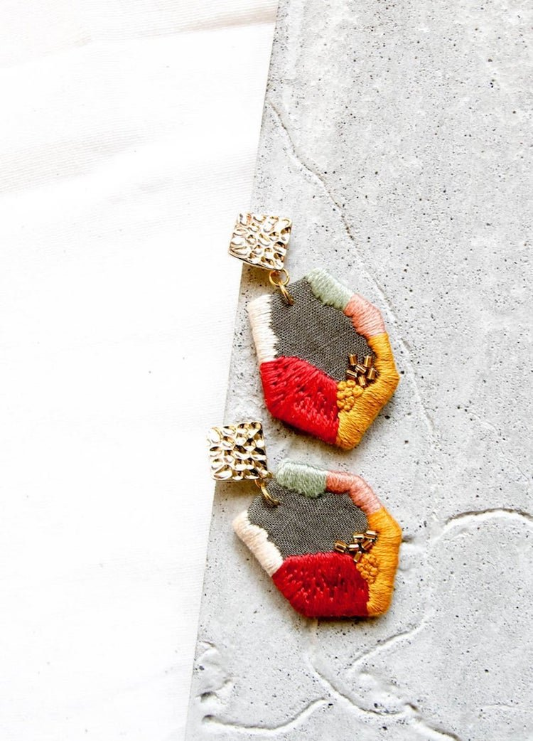 Украшения с handmade вышивкой by Ruby Thursday
