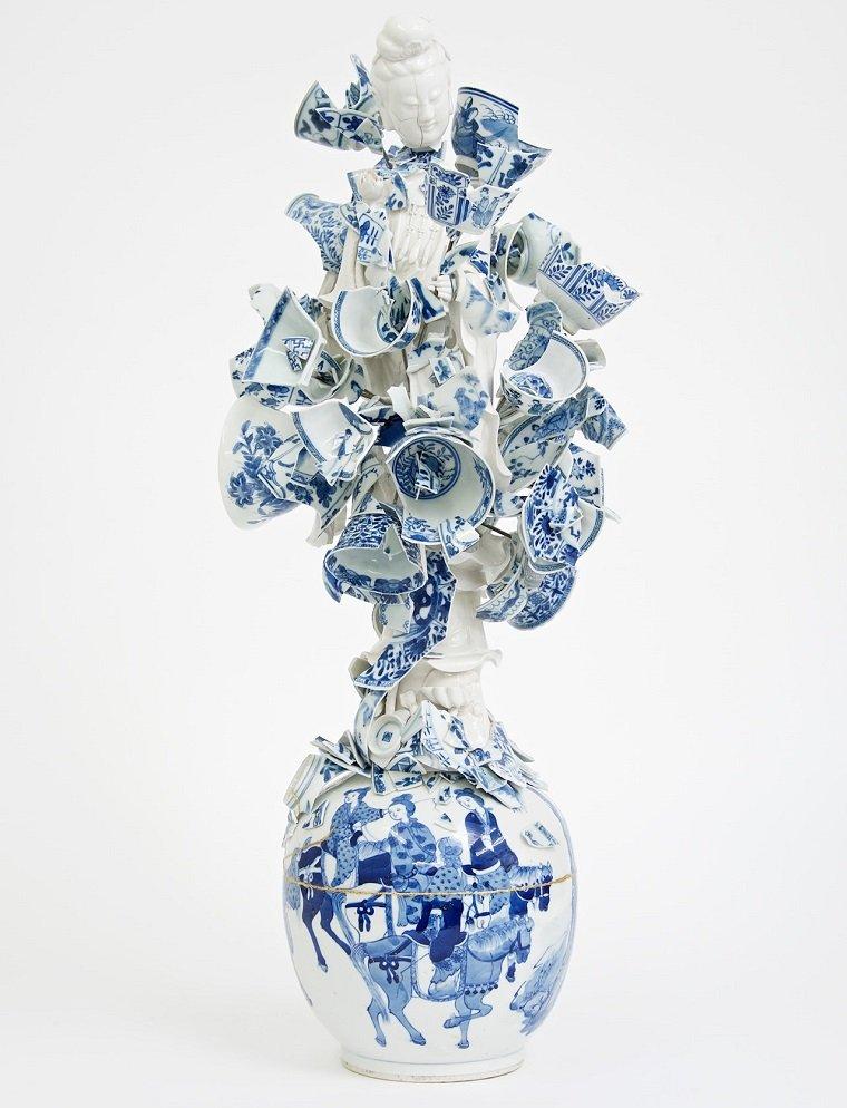 Арт-объекты из старой керамики by Bouke de Vries