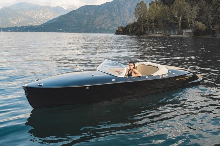 Роскошная моторная лодка в стиле Porsche 356