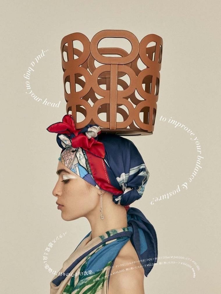 Самые модные сумки весны на страницах Harpers Bazaar