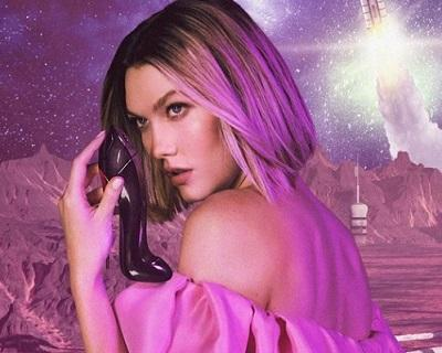Гламурная Karlie Kloss в яркой рекламе парфюма «Good Girl Fantastic Pink»